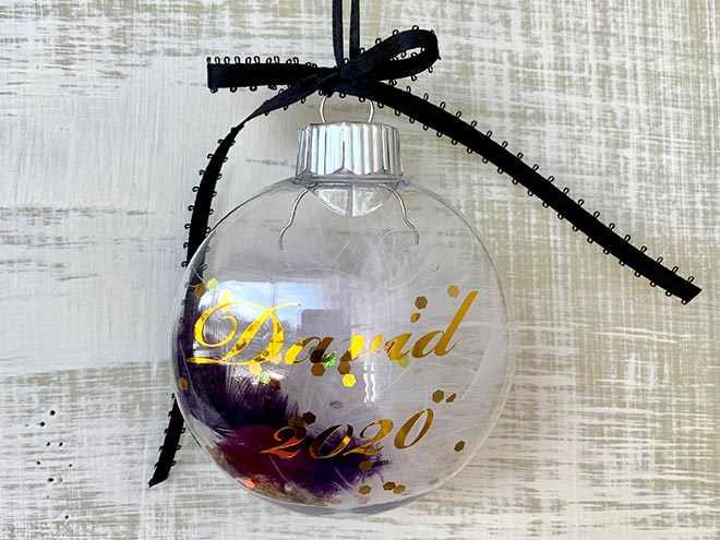 Personalized-Christmas-ornaments-1